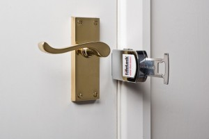 Facile à poser pour bloquer une porte / serrure en voyage