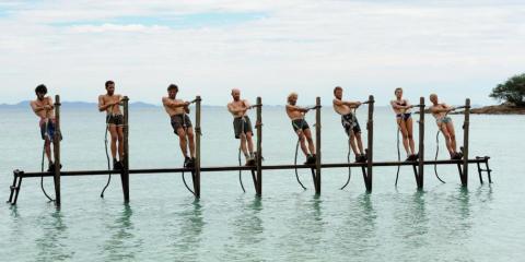 Koh Lanta se démarque par ses épreuves presque insoutenables, poussant les participants à dépasser leur limite.