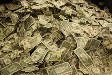 Montagne de billets